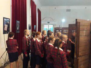 Выставка в память о жертвах Беслана, всем вместе